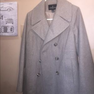 Woman's London Fog coat 🧥